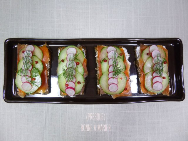 Tartines de truite fumée façon smørrebrød