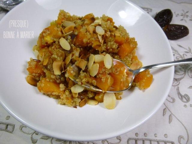 Quinoa à la courge butternut rôtie et aux fruits secs
