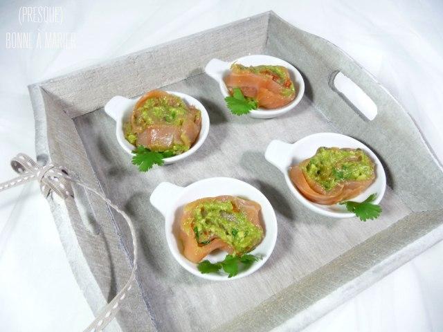 Bouchées roulées de saumon fumé au guacamole doux