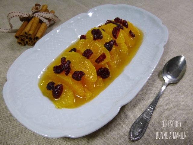 Salade d'oranges et canneberges à la cannelle