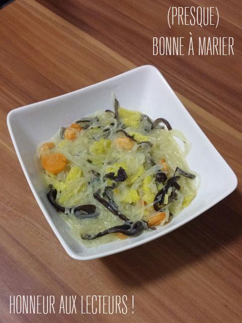 Délicieuse soupe à tendance thaïe aux vermicelles et crevettes