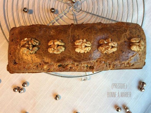 Cake salé au roquefort et aux noix