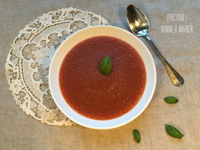 Potage à l'aubergine et à la tomate