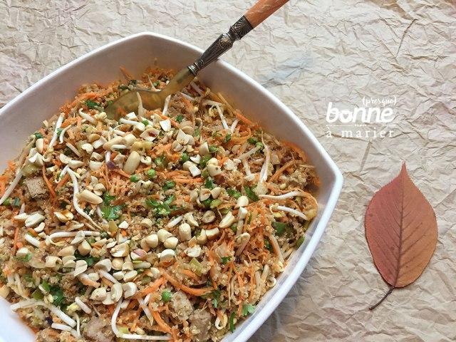 Salade végétale quinoa tofu et petits légumes d'automne
