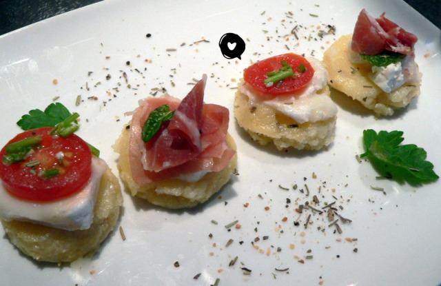 Crostini de polenta