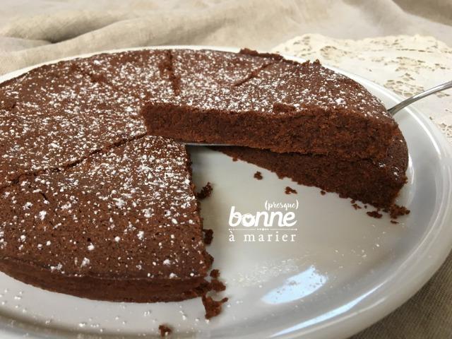 Gâteau fondant au chocolat et à la farine de châtaigne