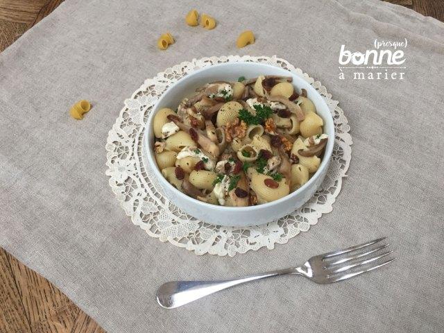 Pâtes aux pleurotes, noix et raisins secs
