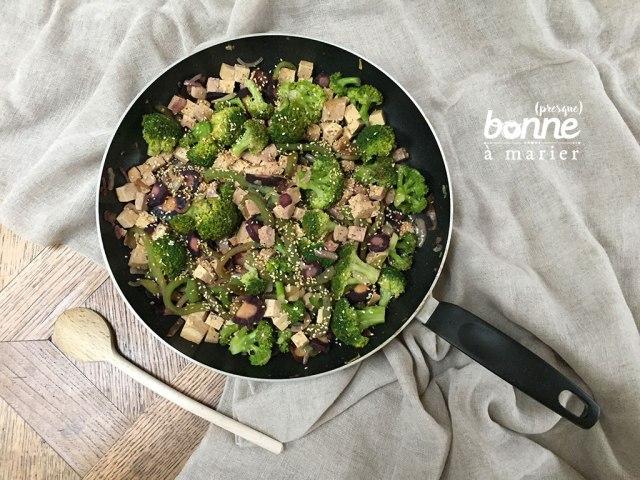 Poêlée de brocoli, poivron et tofu mariné