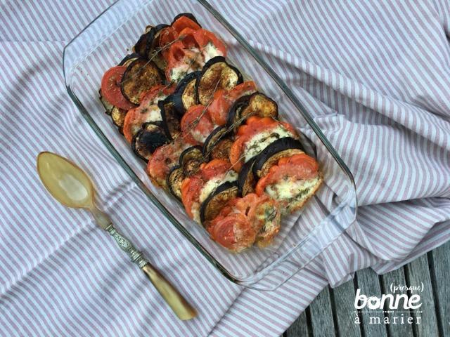 Gratin d'été aux aubergines, tomates et mozzarella