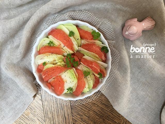 Salade de chou-rave et pamplemousse rose