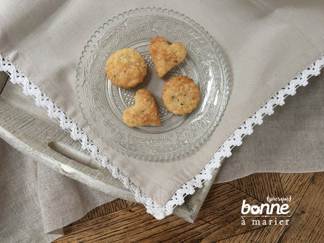 Biscuits feuilletés à la moutarde et aux herbes de Provence