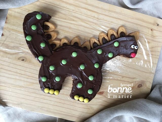 Diplodocake gâteau dinosaure au chocolat