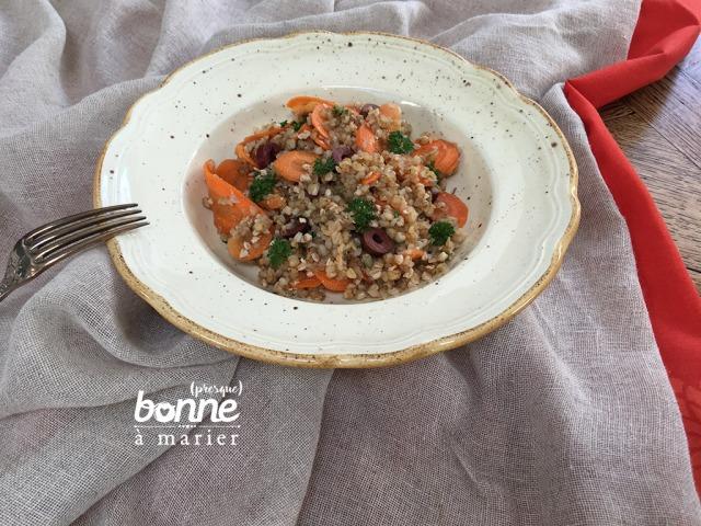 Salade de sarrasin, carottes et olives