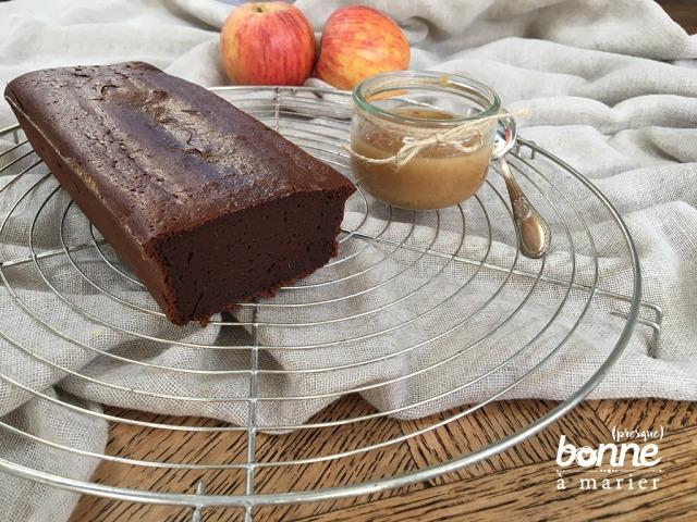 Fondant au chocolat et compote de pommes sans matière grasse