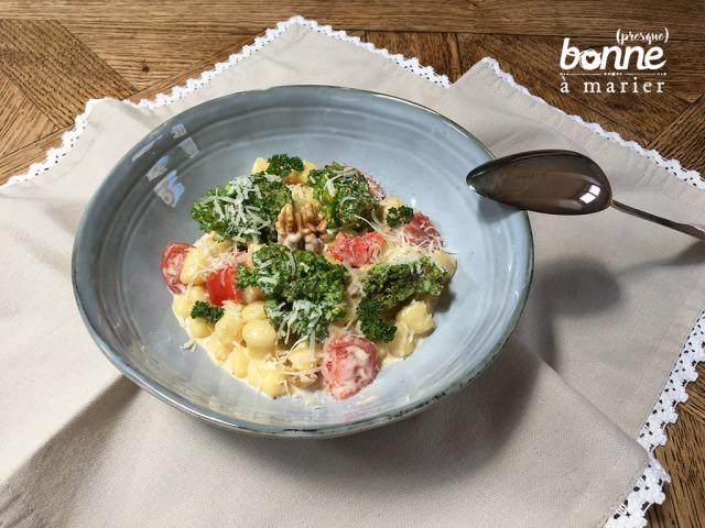 Gnocchettis au brocoli, crème de parmesan et noix