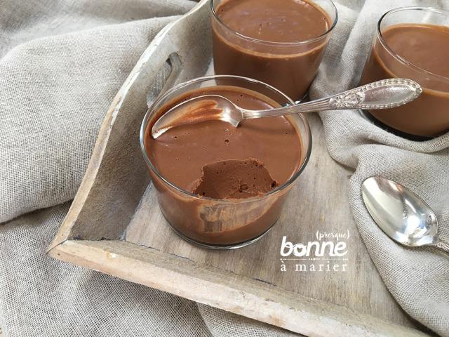 Petits pots de crème au chocolat vegan, sans sucre, sans crème, sans œuf