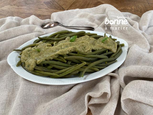 Pesto de courgettes sur des pâtes, des crudités, des haricots verts…