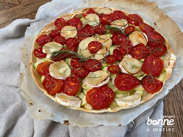 Tarte salée tomates, courgettes et chèvre au romarin