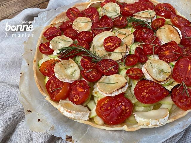 Tarte facile tomates, courgettes et chèvre au romarin