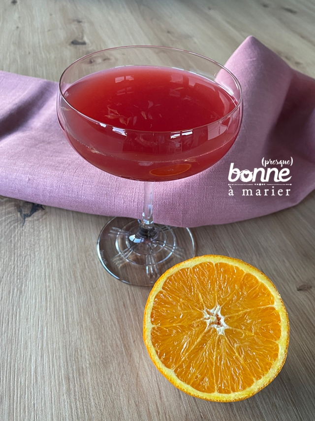 Cocktail acidulé au rhum, cranberry et agrumes